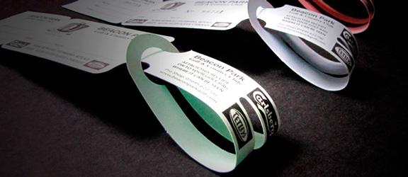 Self Tie green fee bag tag by K&M Golf